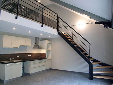 Aménagement intérieur : cuisine  + escalier